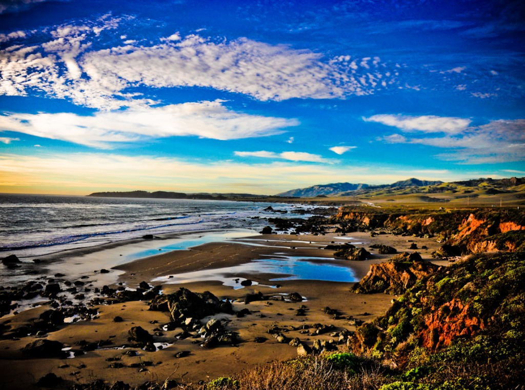 San simeon beach jigsaw puzzle in puzzle of the day for San sineon