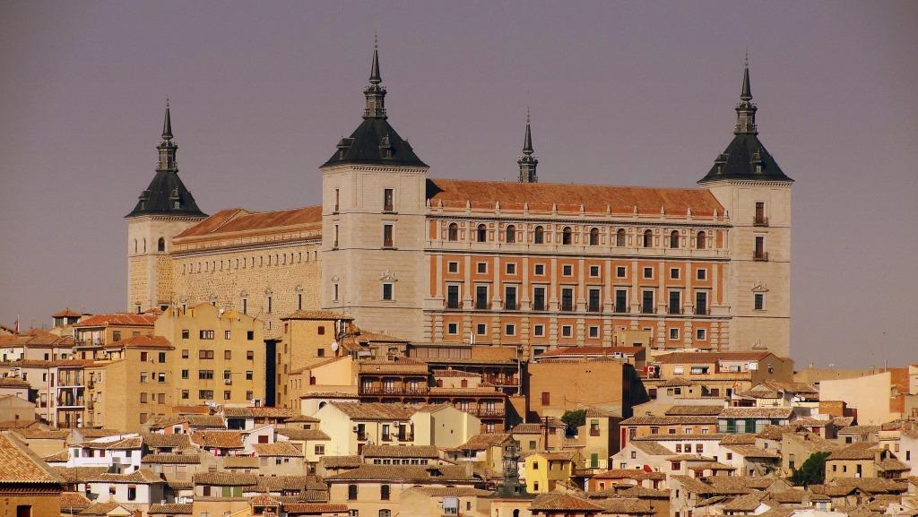 Alc zar de toledo spain jigsaw puzzle in castles puzzles on - La casa del puzzle madrid ...