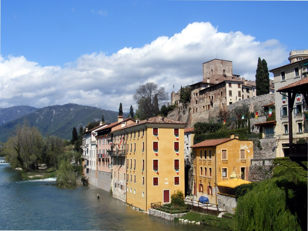 Bassano del grappa italy jigsaw puzzle in great sightings for Arredamento bassano del grappa