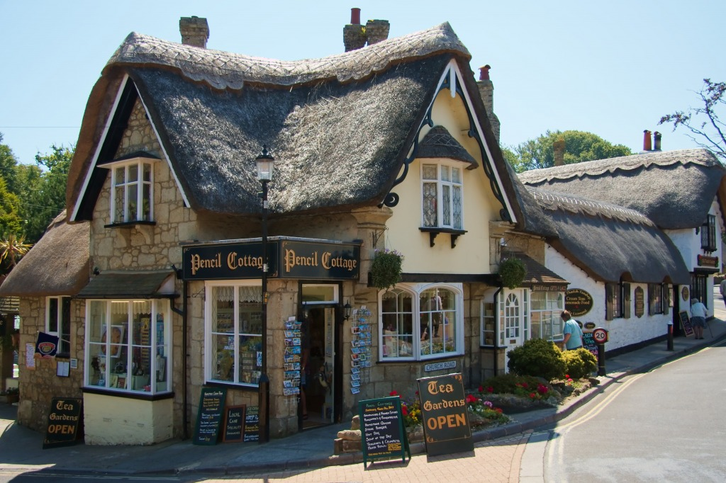 Pencil Cottage Isle Of Wight Jigsaw Puzzle In Puzzle Of