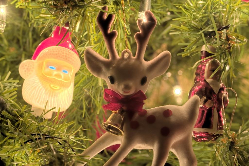 Christmas Decorations Crossword : Christmas decorations puzzle en macrophotographie puzzles
