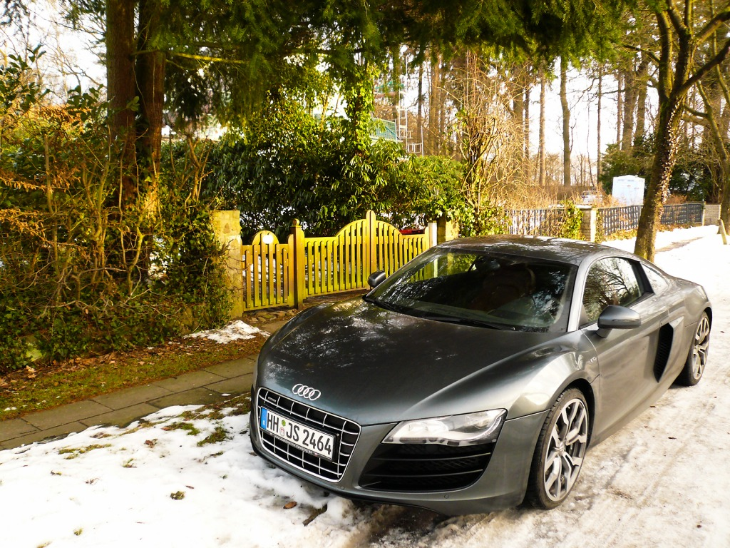audi r8 in hamburg jigsaw puzzle in cars bikes puzzles on. Black Bedroom Furniture Sets. Home Design Ideas