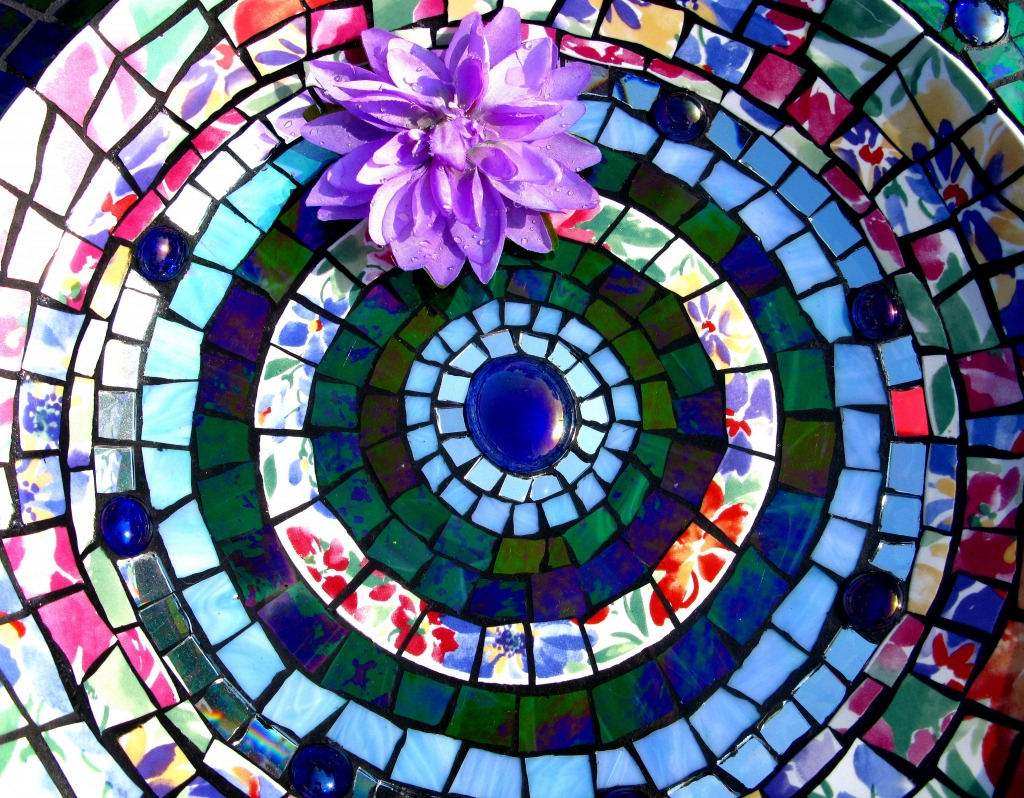 Mosaic Bird Bath jigsaw puzzle in Puzzle of the Day