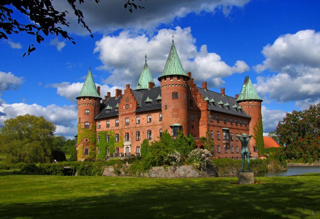 Trolleholm Castle Sweden Jigsaw Puzzle In Castles Puzzles