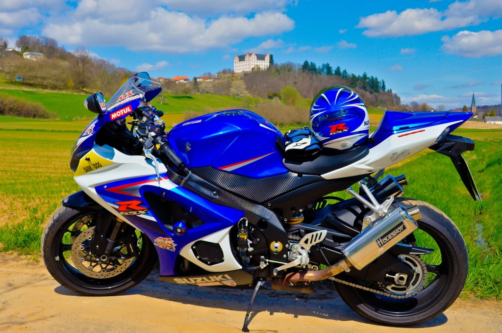 suzuki gsx r 1000 k7 jigsaw puzzle in cars bikes puzzles. Black Bedroom Furniture Sets. Home Design Ideas