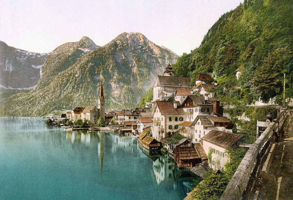 http://thejigsawpuzzles.com/img-puzzle-4897878/Hallstatt-Village-Upper-Austria-in-1900