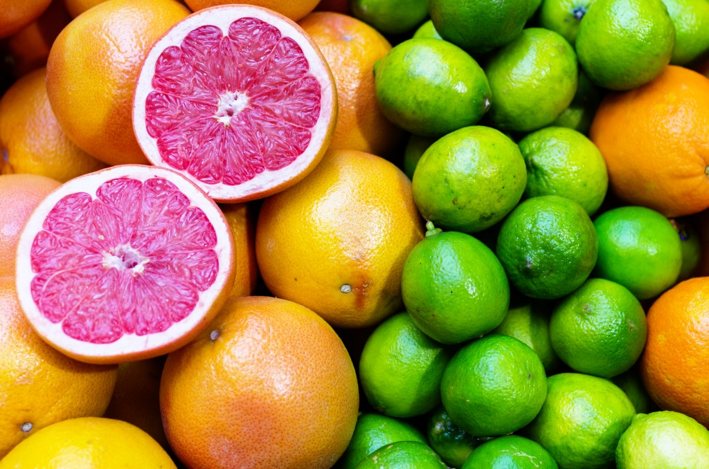 citric acid vitamin from citric fruits Citric acid is an intermediate in the citric acid cycle (tca, or kreb's cycle) in the mitochondria and is synthesized in the first step via the combination of oxaloacetate and acetyl-coa via citrate synthase (to produce citrate.