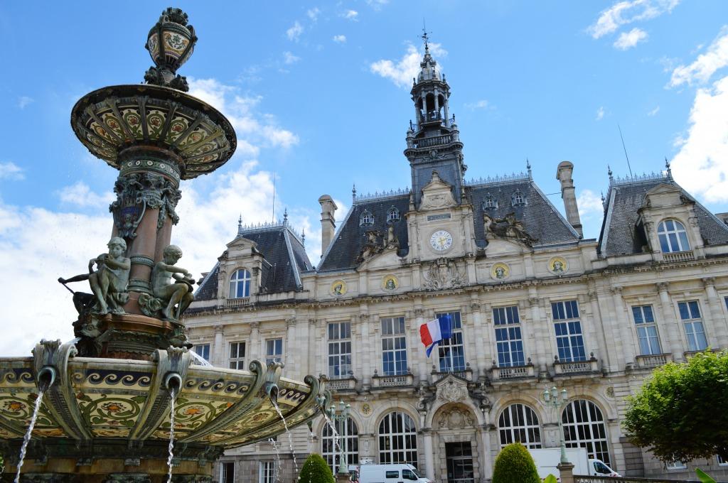 Hotel de ville de limoges france jigsaw puzzle in castles for Piscine limoges