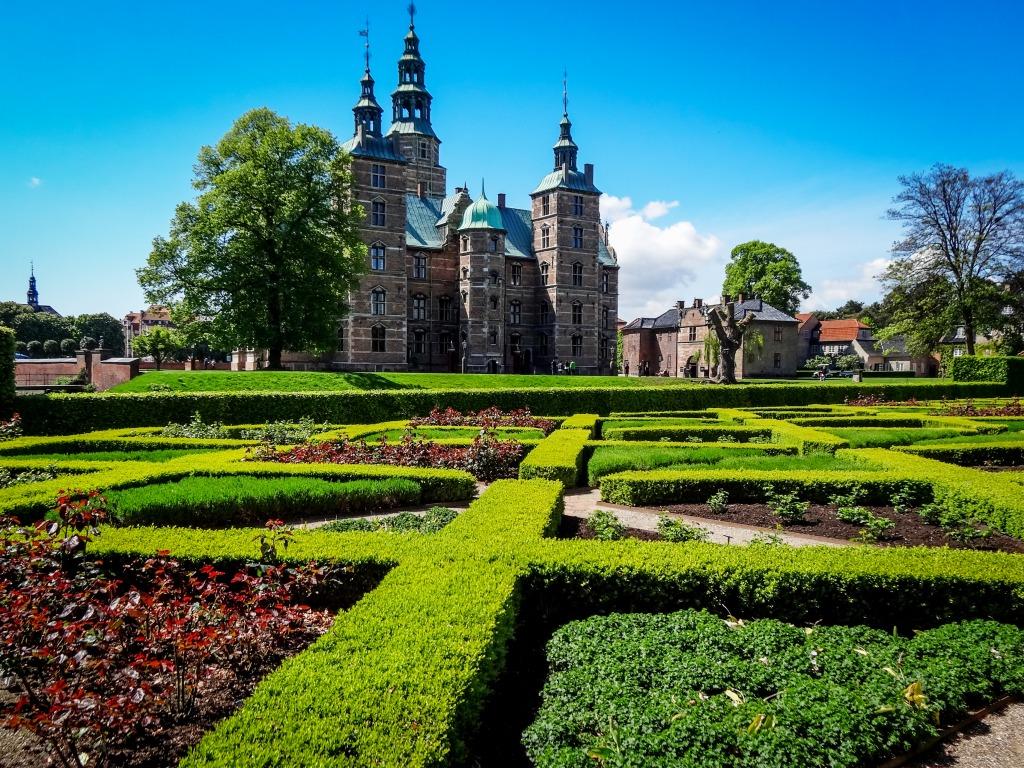 Rosenborg Castle Gardens, Copenhagen jigsaw puzzle in ...
