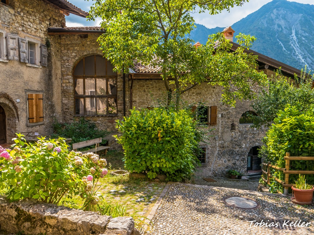 Ville del monte trentino italy jigsaw puzzle in street for Monti del trentino