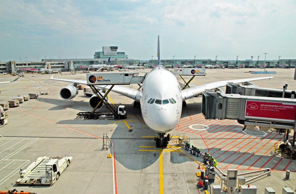 Frankfurt Airport, Germany jigsaw puzzle in Aviation ...