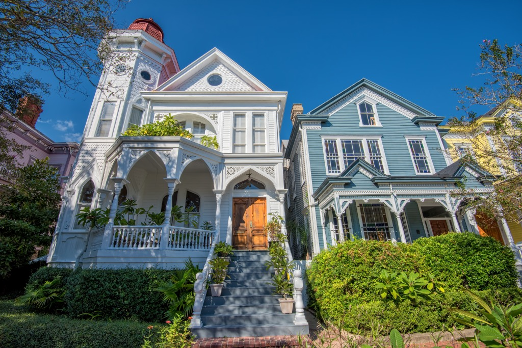 Traditional Architecture In Savannah Ga Jigsaw Puzzle In