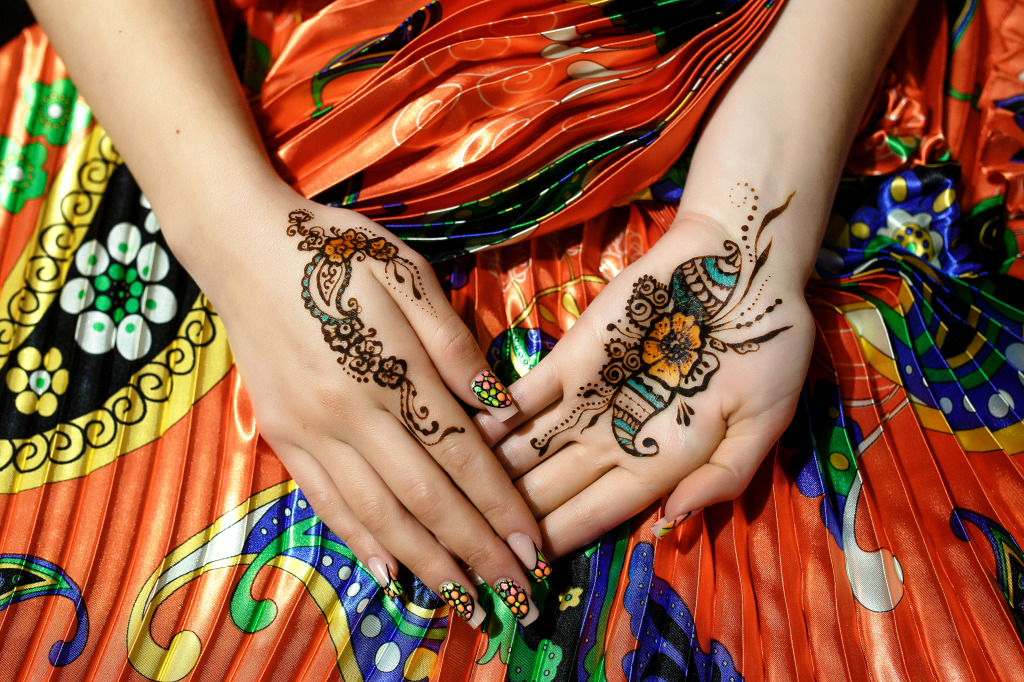 painted hands jigsaw puzzle in puzzle of the day puzzles on