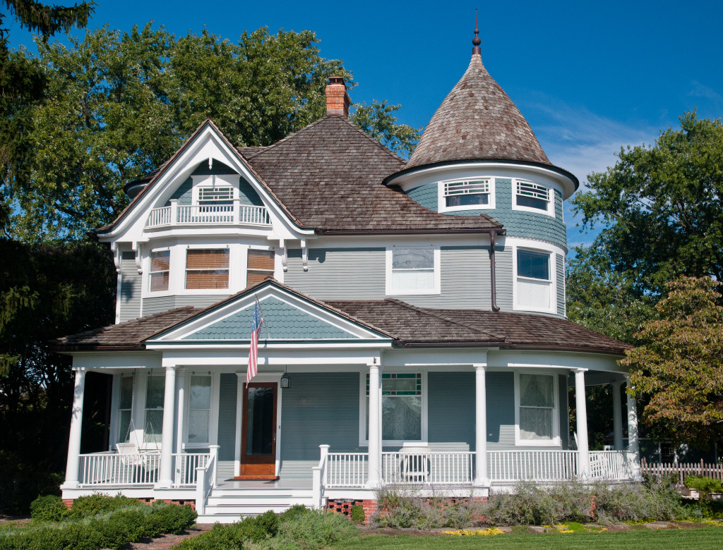 Traditional victorian house jigsaw puzzle in street view for Victorian traditional homes