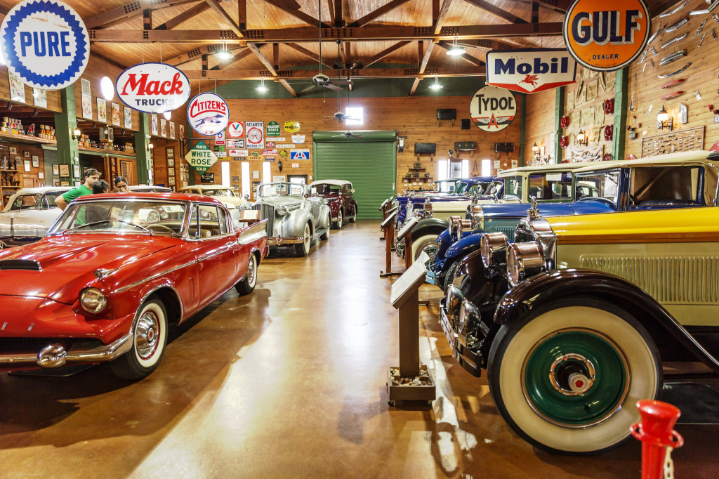 Fort Lauderdale Antique Car Museum jigsaw puzzle in Cars & Bikes ...