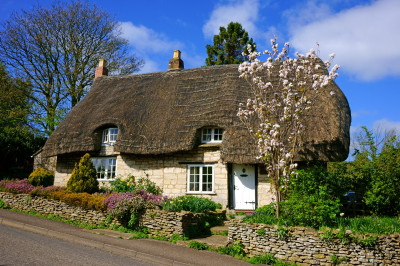 Gloucestershire Cottage with a Thatched Roof
